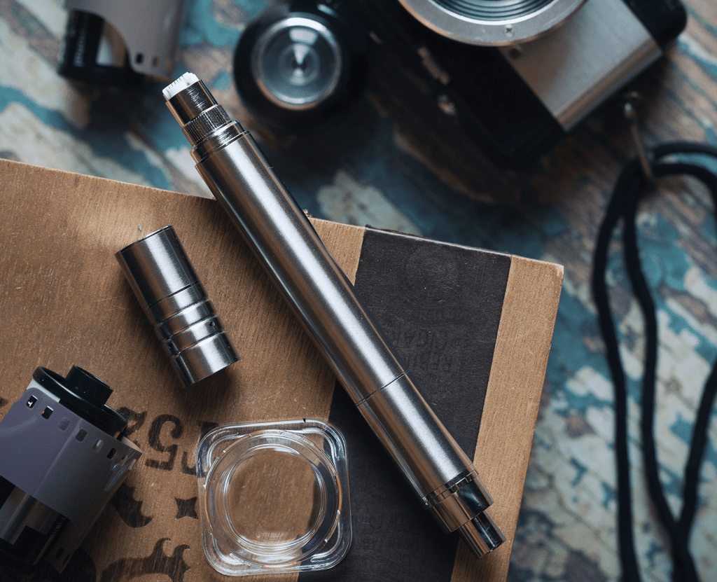 An electronic nectar collector with the coil exposed.
