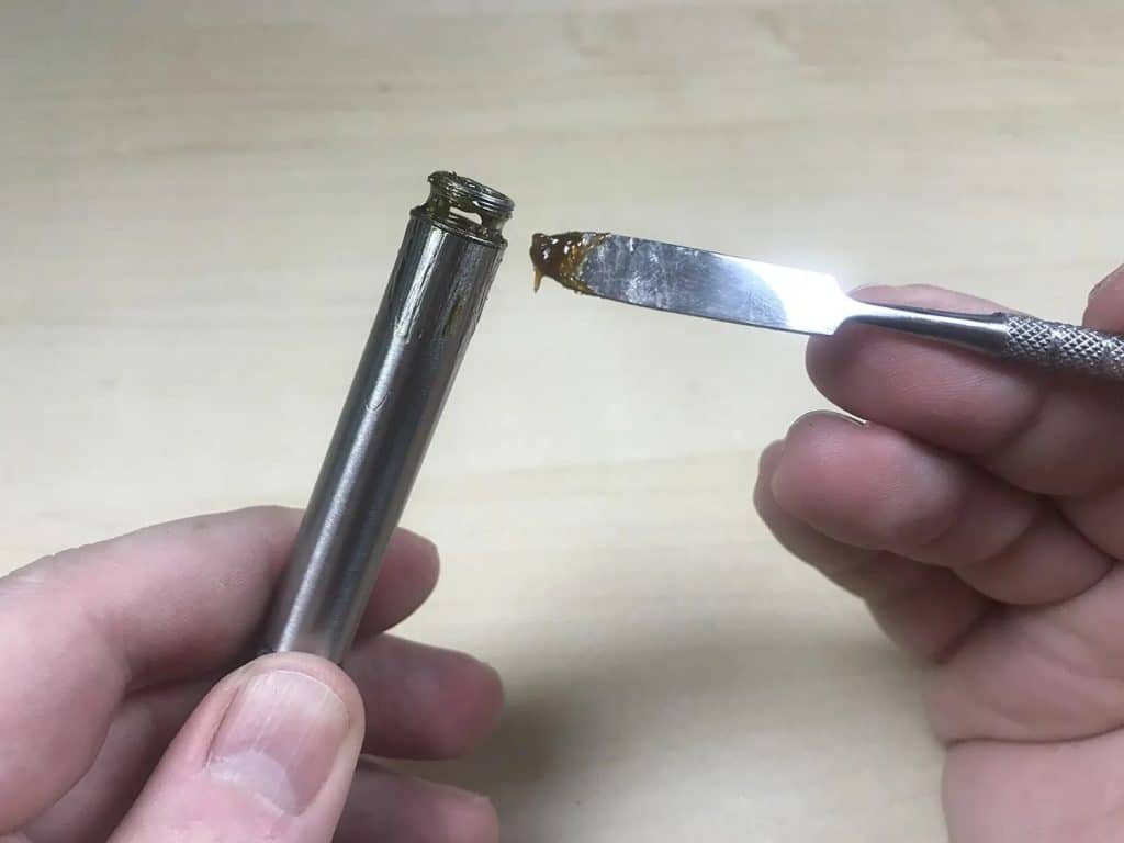 How to scrape reclaim from a Terp Pen nectar collector.